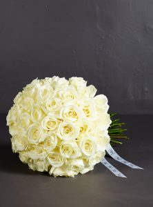 white-rose-bouquet