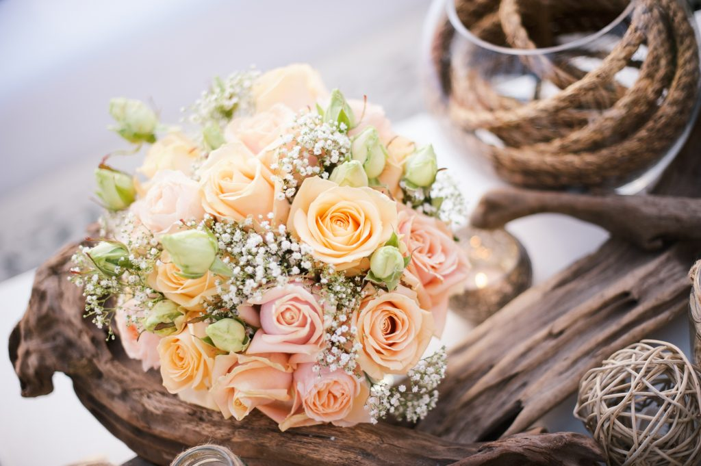algarve wedding peach roses larry walshe driftwood beach 3